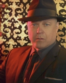 Michael Chiklis