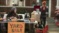 /shows/mike_and_molly/episodes/Yard Sale