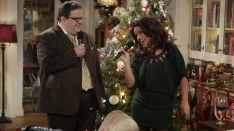 /shows/mike_and_molly/episodes/Karaoke Christmas
