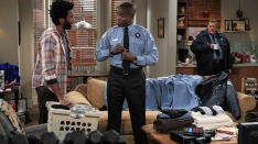 /shows/mike_and_molly/episodes/Carl Gets a Roommate