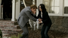 /shows/the_mentalist/episodes/Red-Handed