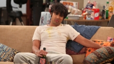 /shows/big_bang_theory/episodes/The Monster Isolation