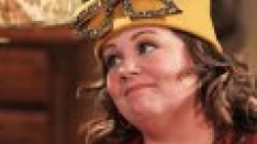 /shows/mike_and_molly/episodes/Molly Gets a Hat