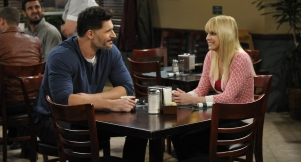 First Look: Christy Tries To Help A Handsome New Member Of Her AA Group