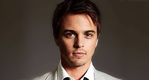 News: Darin Brooks joins B&B!