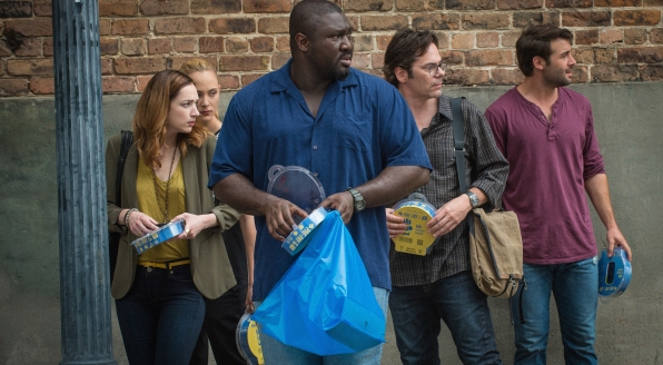 Kristen Connolly as Jamie Campbell, Nora Arnezeder as Chloe Tousignant, Nonso Anozie as Abraham Kenyatta, Billy Burke as Mitch Morgan ,and James Wolk as Jackson Oz.