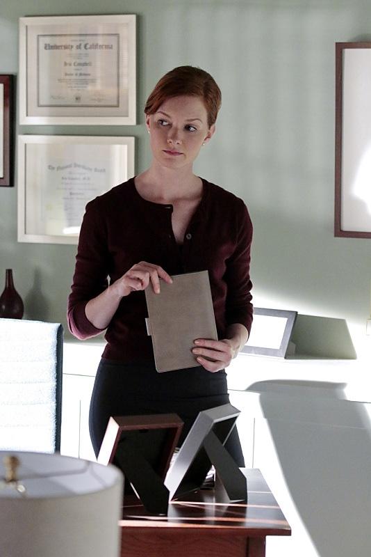 Dr. Iris Campbell (Wrenn Schmidt)