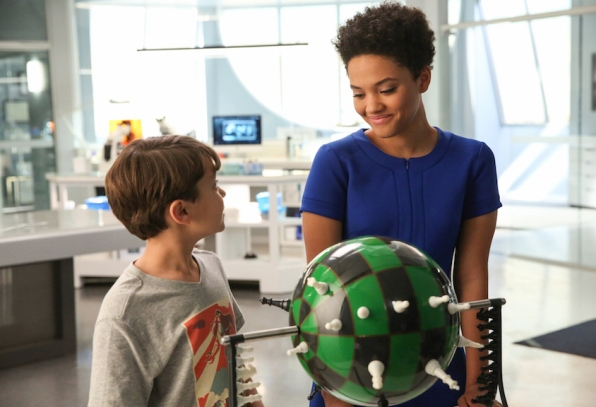 Pierce Gagnon as Ethan Woods and Kiersey Clemons as Lucy.