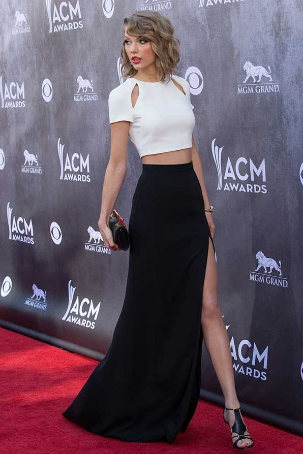 Taylor Swift got a leg up on fashion at the 2014 Academy of Country Music Awards.