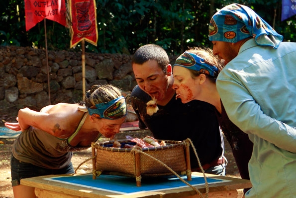 """Upolu Tribe During Immunity/Reward Challenge """"Pig Out"""""""