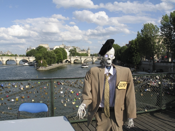 Geoff Peterson Visits the Pont des Arts Bridge in Paris