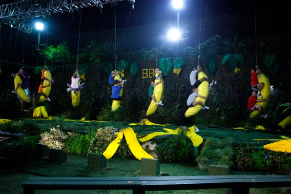 "HoH Competition ""Going Bananas"""