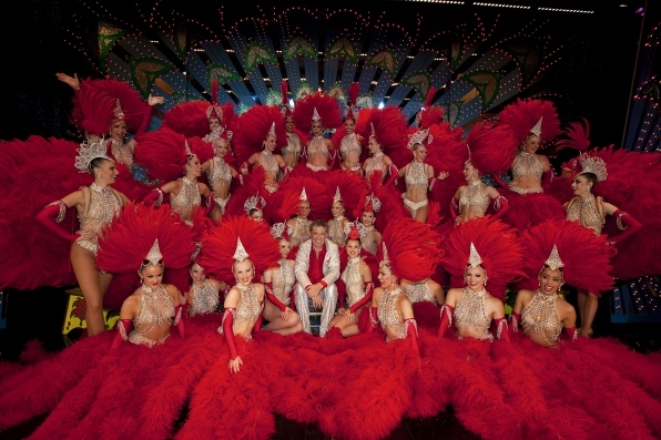 Craig Ferguson with the Dancers at Moulin Rouge