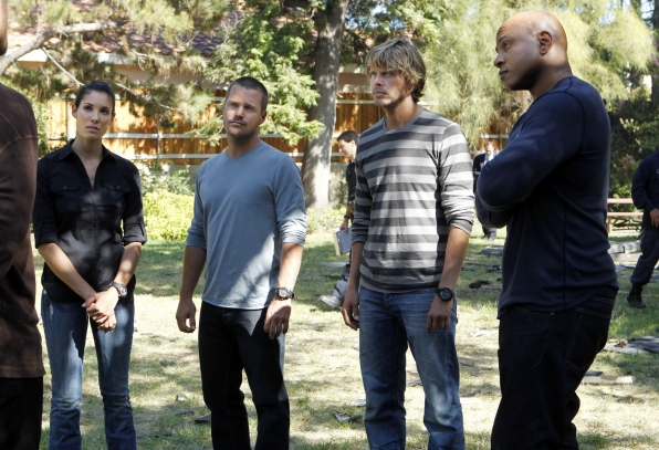 NCIS: LA Talk to a Suspect at the Scene