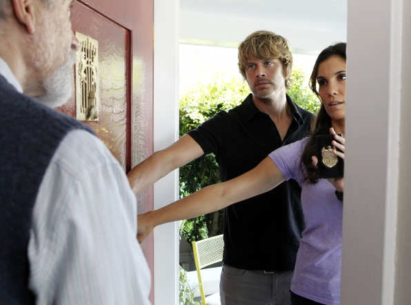 Deeks and Blye Search for Suspects