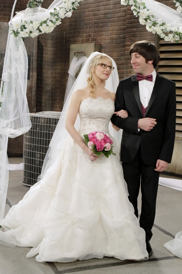 Bernadette Rostenkowski and Howard Wolowitz (The Big Bang Theory)