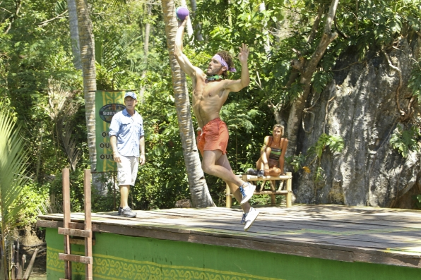 "Reynold competes in ""Cut Off the Head of the Snake"" Episode 9 of Season 26"