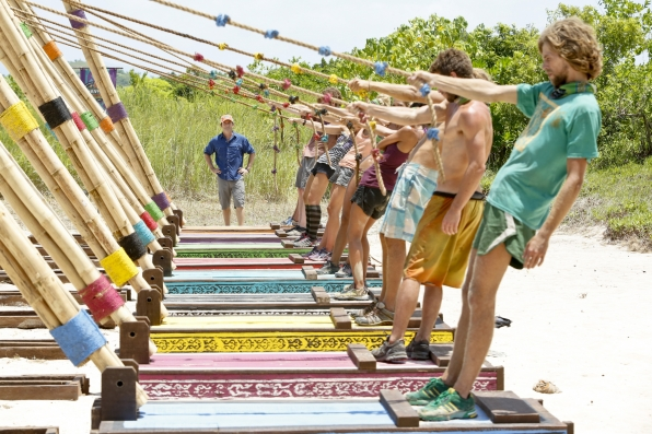 """Immunity Challenge Competition in """"Come Over to the Dark Side"""" Episode 11 of Season 26"""