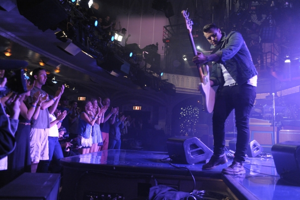 Fans Pack the Ed Sullivan Theater for The Gaslight Anthem