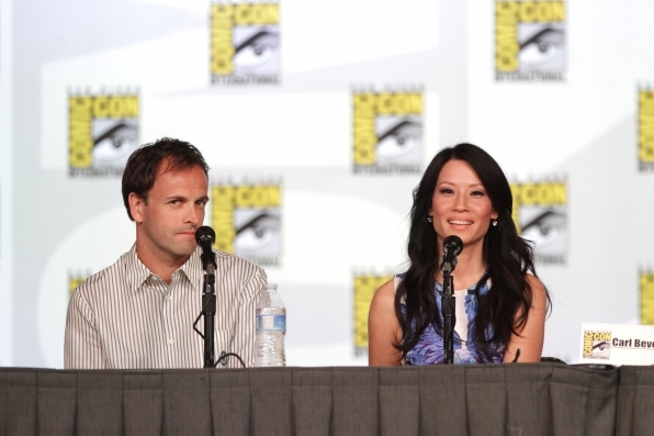 Elementary's Jonny Lee Miller and Lucy Liu