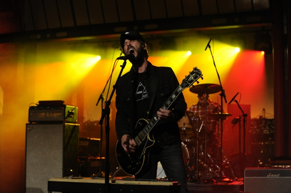 Band of Horses Frontman Performs