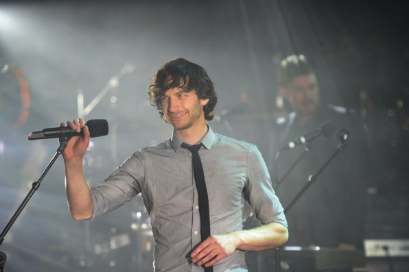 Gotye Performs at the Ed Sullivan Theater
