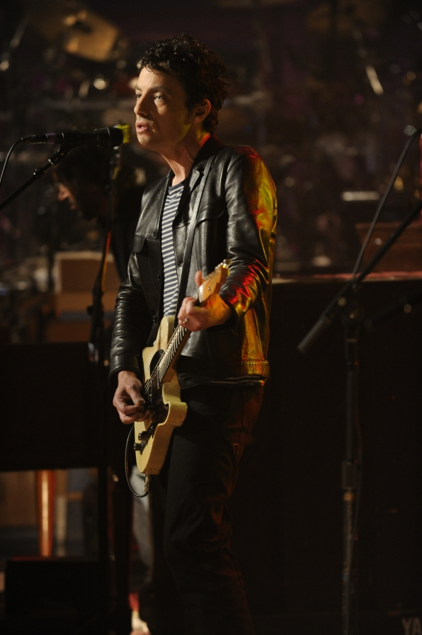 Jakob Dylan Performs