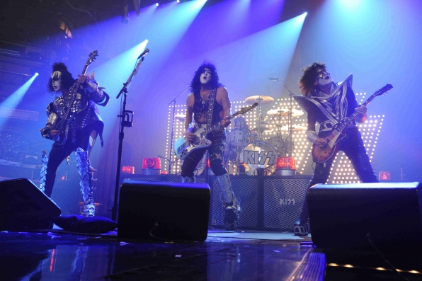 KISS Rocks Out