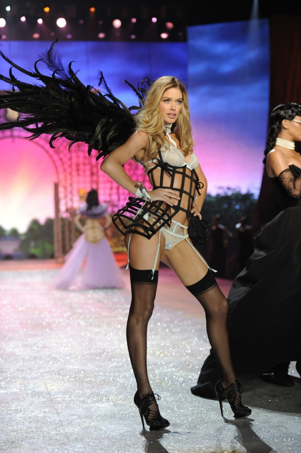 Highlights from the 2012 Victoria's Secret Fashion Show