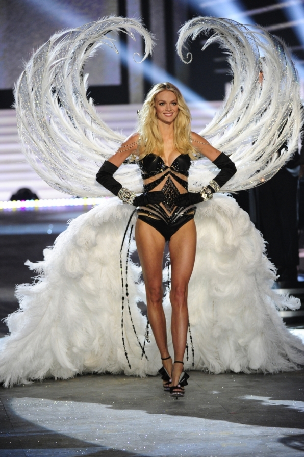 Lindsay Ellingson shows off her feathery wings - 2012 Highlight