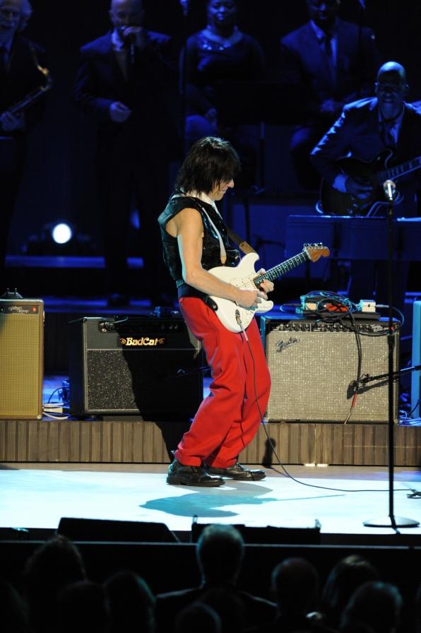 Jeff Beck Performs