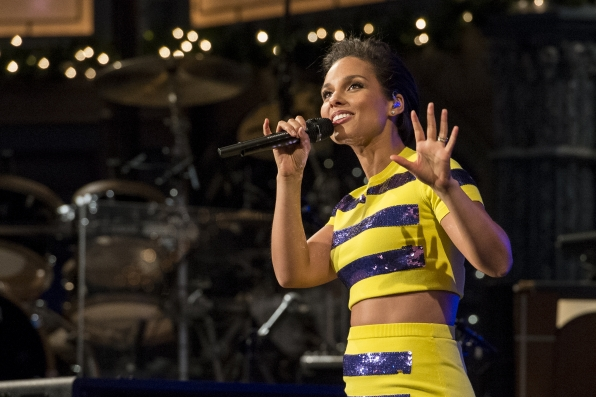 Alicia Keys Looks Out to the Crowd