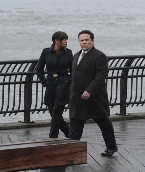 Carter and Fusco Rush to Save Reese