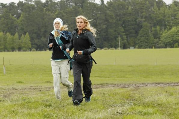 "Jennifer and Caroline run in ""Like James Bond Again"" Season 22 Episode 3"