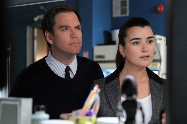 "Onlookers in ""Seek"" Episode 18 of Season 10"