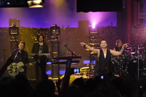 Depeche Mode Rocks The Crowd