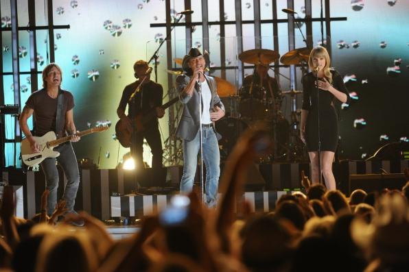 Taylor Swift, Keith Urban and Tim McGraw