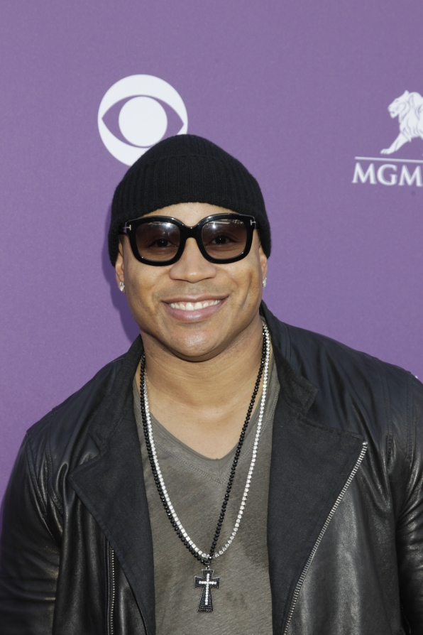 LL Cool J on the Red Carpet - 48th ACM Awards