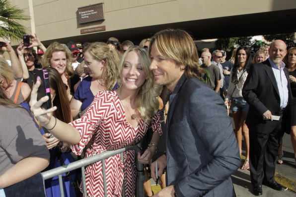 Keith Urban on the Red Carpet - 48th ACM Awards