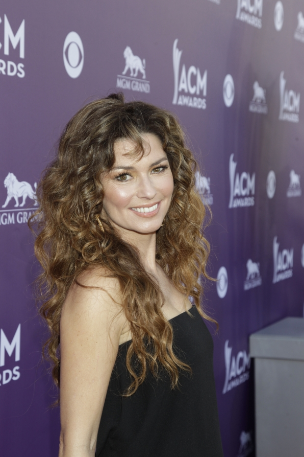 Shania Twain on the Red Carpet - 48th ACM Awards