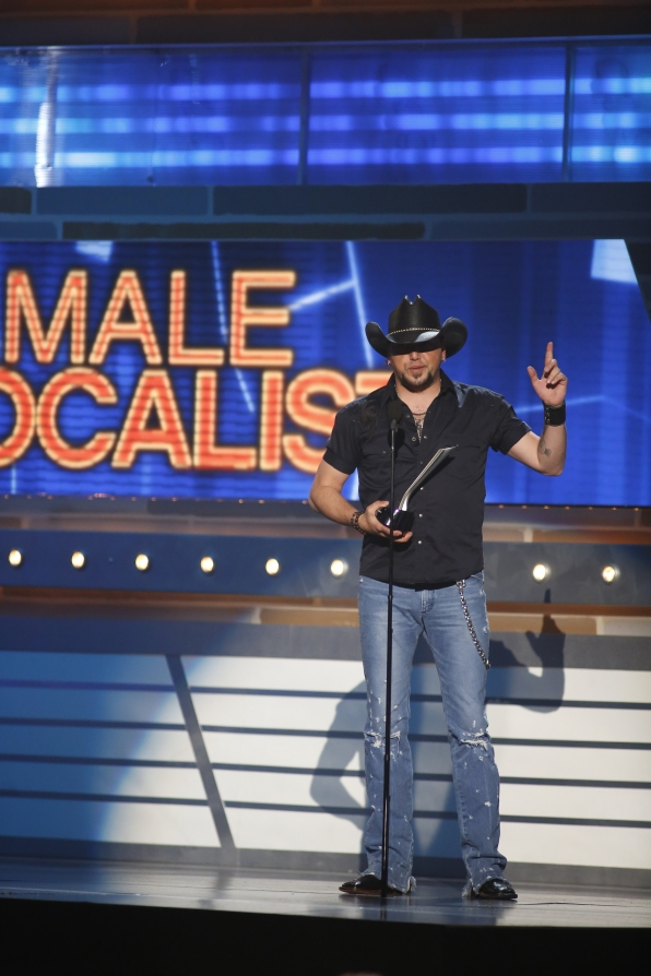 Jason Aldean Wins Male Vocalist