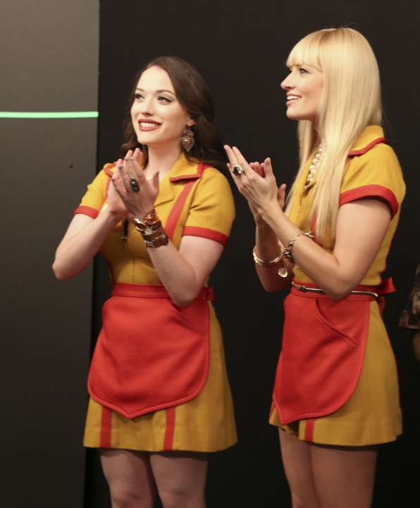 Broke Girls behind the scenes