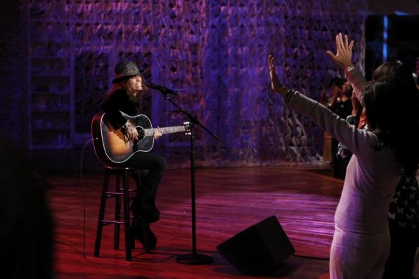 Linda Performing
