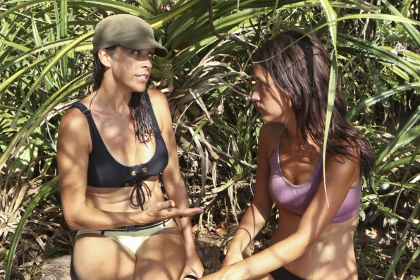 Laura and Ciera chat