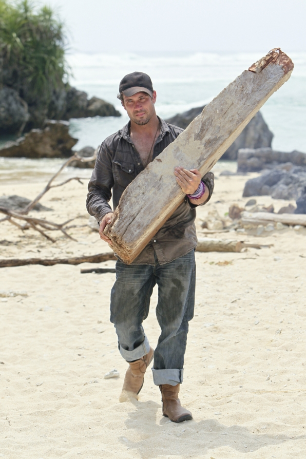 LJ gathers wood for camp in the Season 28 premiere