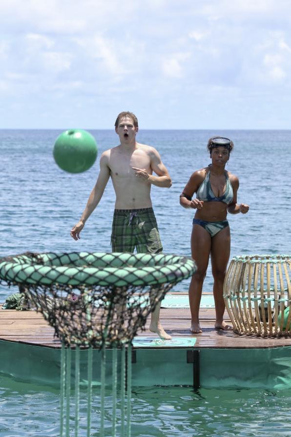 Tasha and Spencer in Season 28 Episode 3