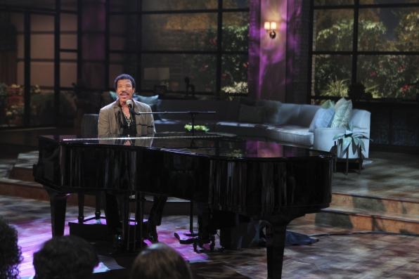 Lionel Performs