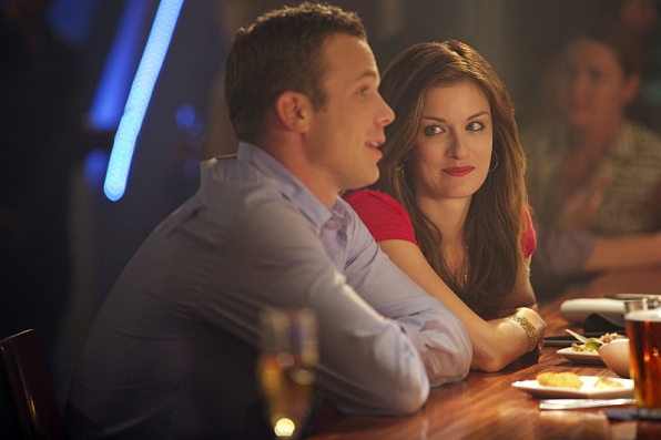 "Cam Gigandet as Roy Rayder and Anna Wood as Jamie Sawyer in ""Blind Sides"" S1 E4"
