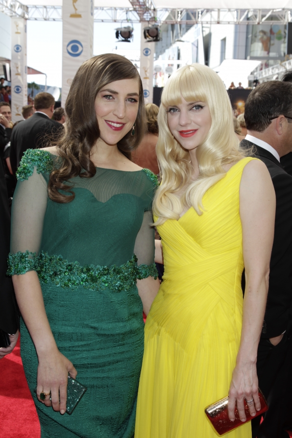 Mayim Bialik and Anna Faris