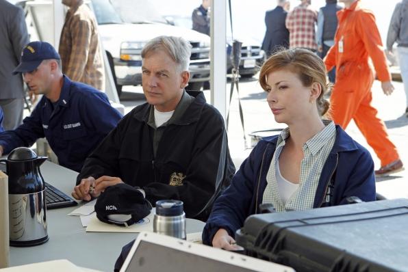 """Teamwork in """"Oil & Water"""" Season 11 Episode 6"""